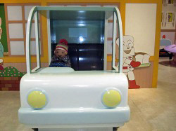 食パンマンの配達トラック
