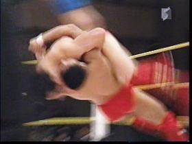藤井、ロープの反動を利したベリートゥベリー