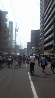 裏参道祭り風景。