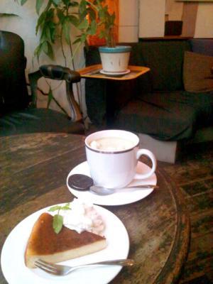 cafe na. 抹茶ミルク+米粉のチーズケーキ