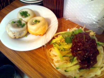 焼き小龍包専門店ファイヤードラゴン ジャージャー麺+焼き小龍包3ケ付
