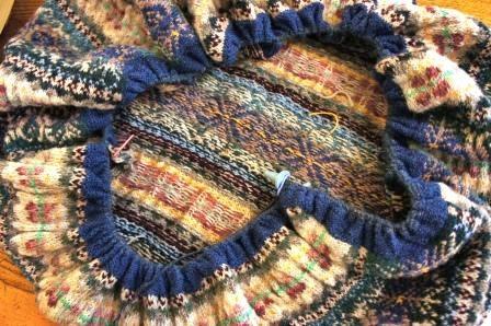 1211フェアアイルひざ掛け縁編み