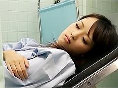 産婦人科を訪れた可愛すぎるJKに医者が我慢できずに中出し治療を実施wwww