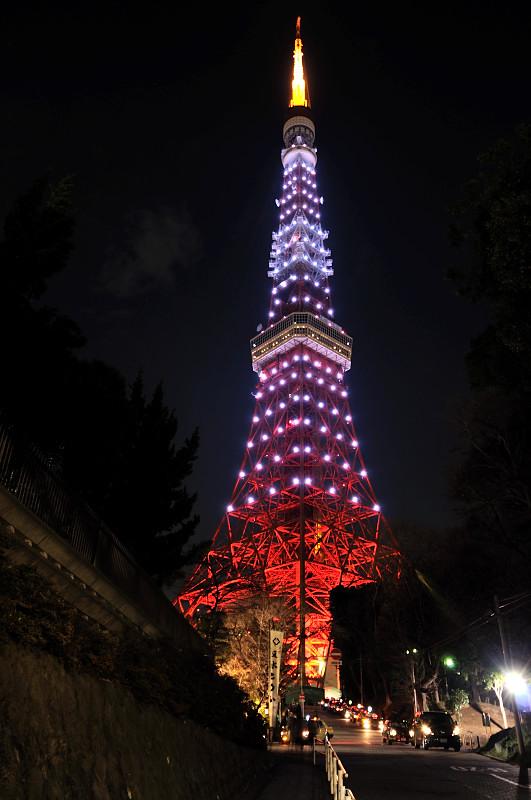 東京タワー下から_
