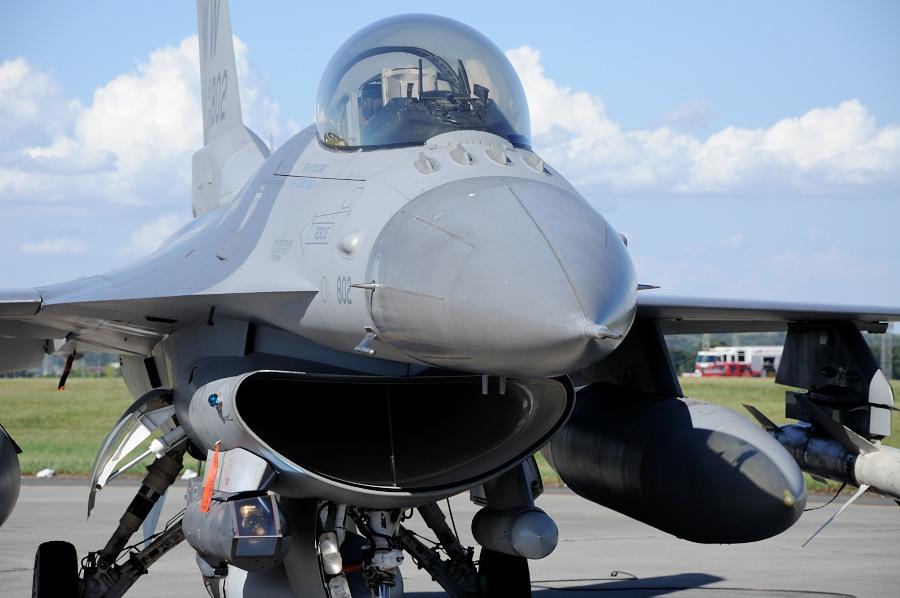 F16__01.jpg