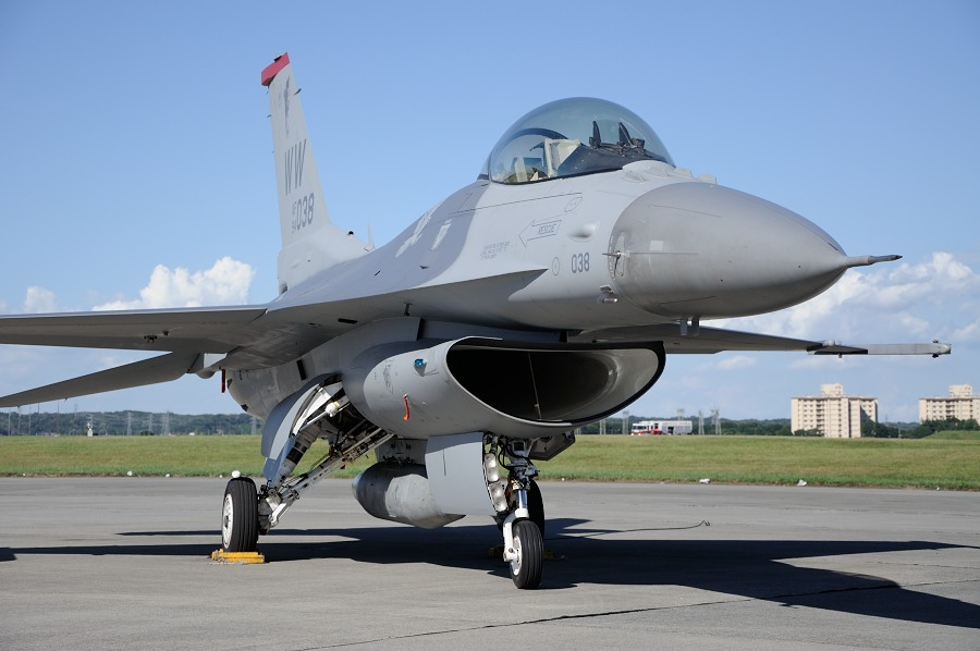F16__02.jpg