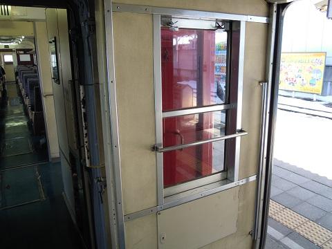 モハ168-1妻面窓