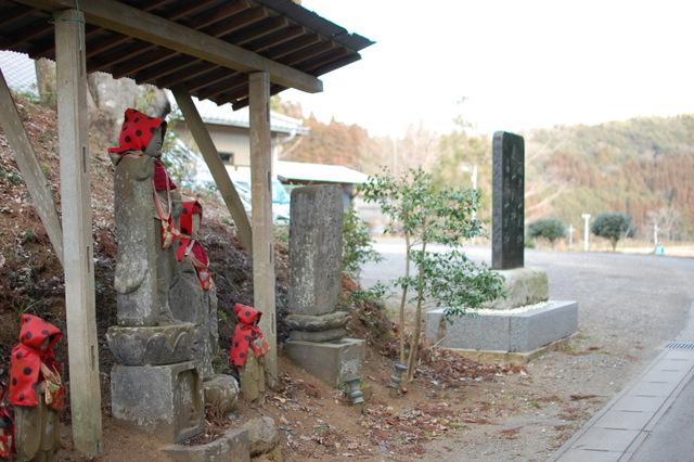 田淵会館脇の小道を入る