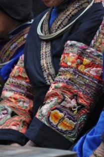 ミャオ族刺繍
