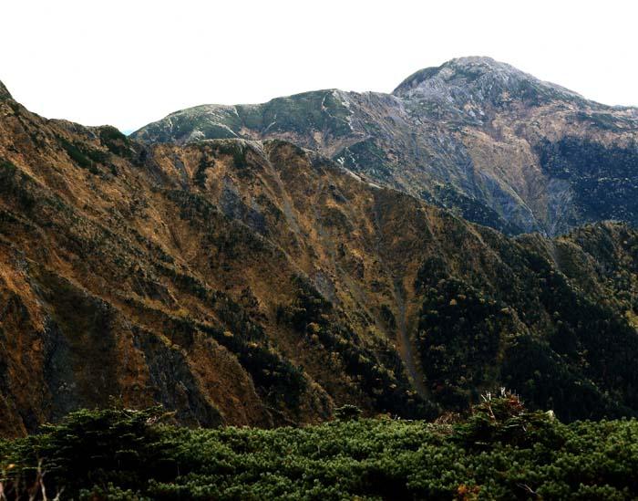兎岳避難小屋から赤石岳