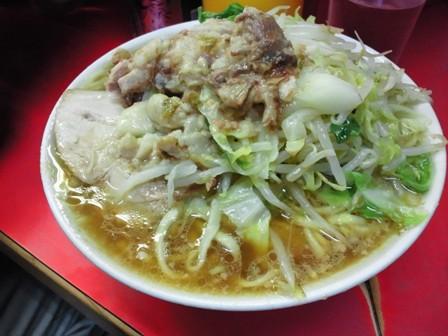 三田本店小ニンニクヤサイ脂