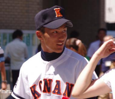 興南・島袋投手