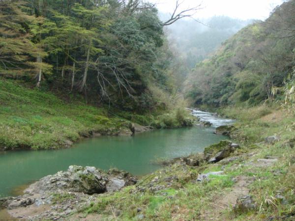 上林川に降り立つ