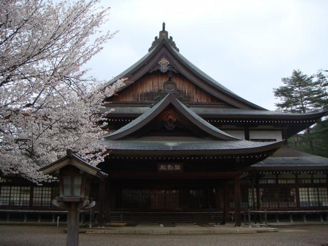 桜の大本弥勒殿