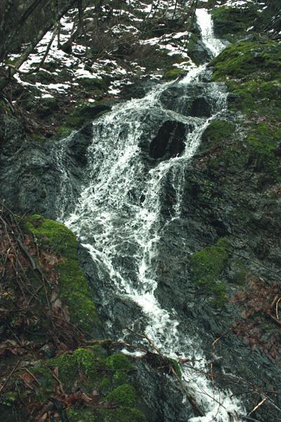 まぼろしの滝 冬