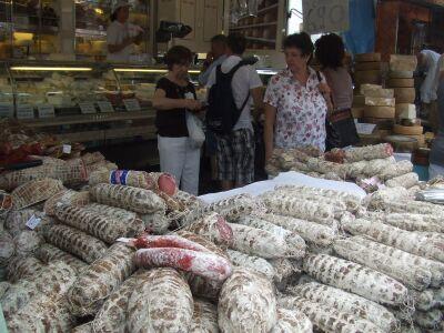 2010_0607Desenzanoの市場とランチ01711