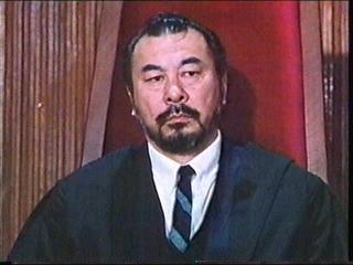 グルの裁判長ロイ・チャオ