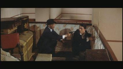 問題の家のシーン3