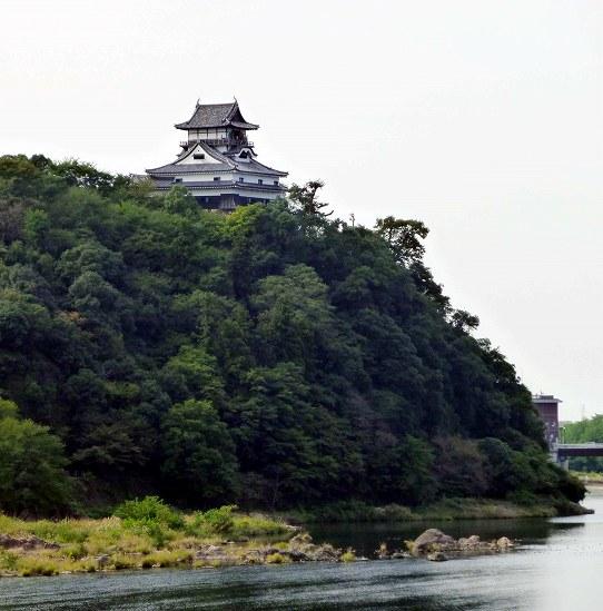 InuyamaCas-001 (542x549)