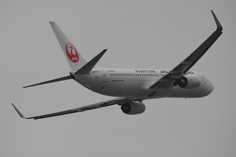 JEX B737-846 JAL3006@エアフロントオアシス下河原(by EOS50D with SIGMA APO 300mm F2.8 EX DG/HSM + APO TC2x EX DG)
