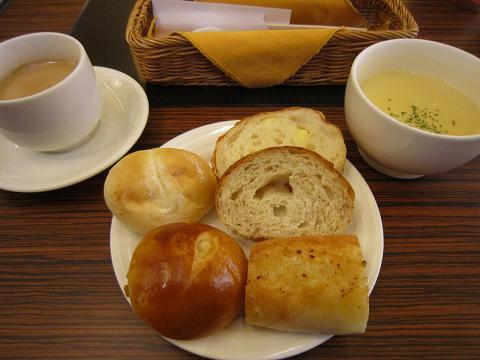 1皿目+スープ