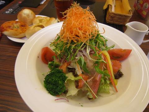 2皿目+サラダ