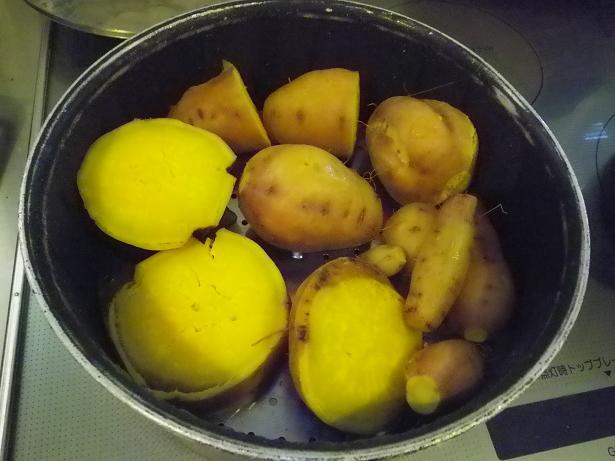 2011袋サツマイモ蒸し上がり