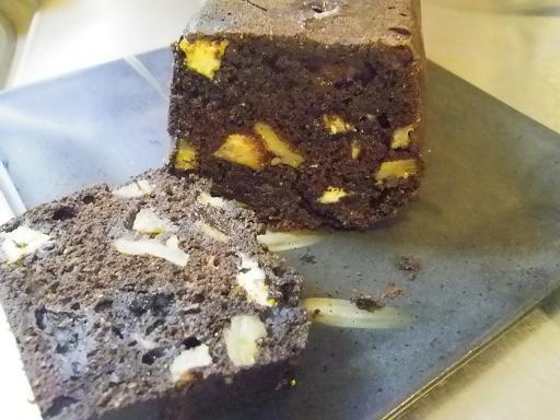 バナナと胡桃の豆乳チョコケーキ