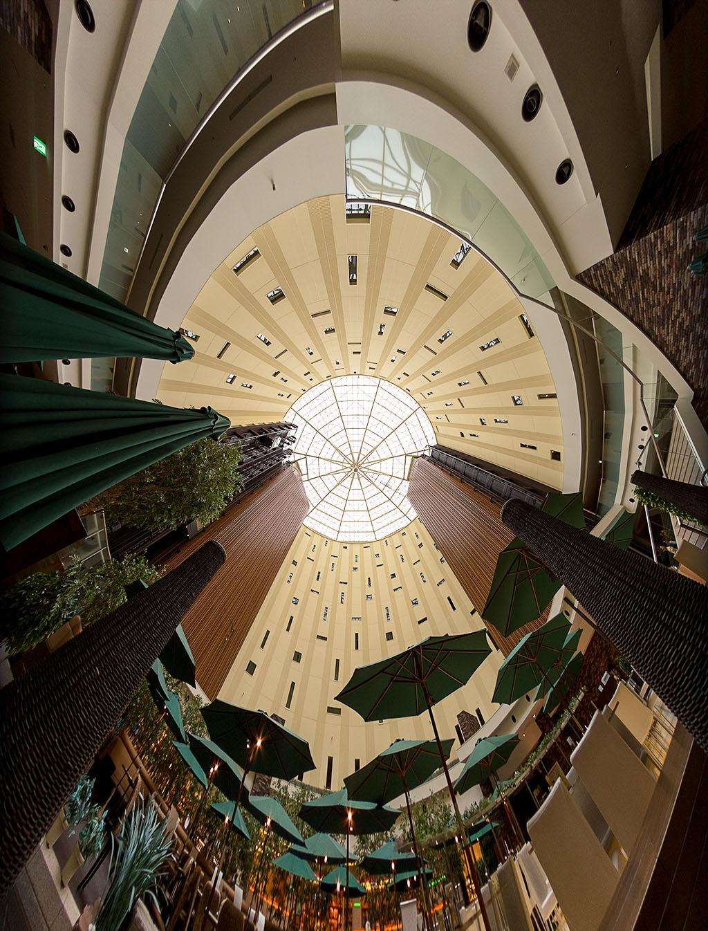 円形アトリウム(東京ベイ舞浜ホテル)