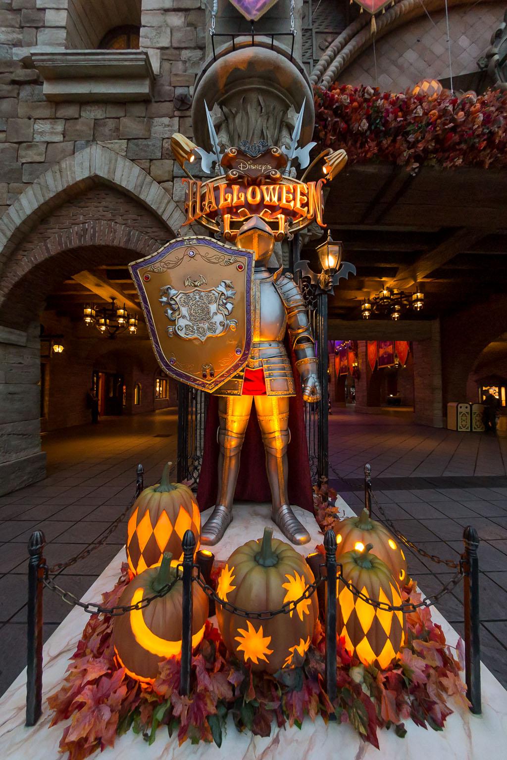 かぼちゃ騎士・左側(ミラコスタ通路)