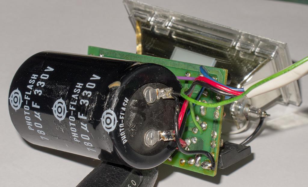 コンデンサーパンクの予感と意外(nissin Auto 3200 AF iGBT Control)