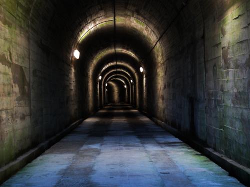 トロッコ用トンネル
