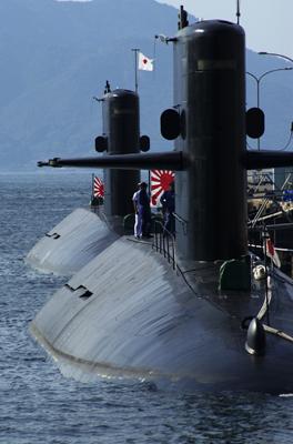 潜水艦2隻