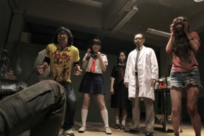 Zombie Ass Toilet of the dead (2012) Zonbi Asu 4 (700x467)