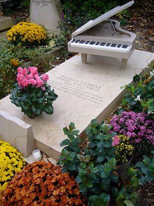 フランス・クリダ先生のお墓~ペール・ラシェーズ