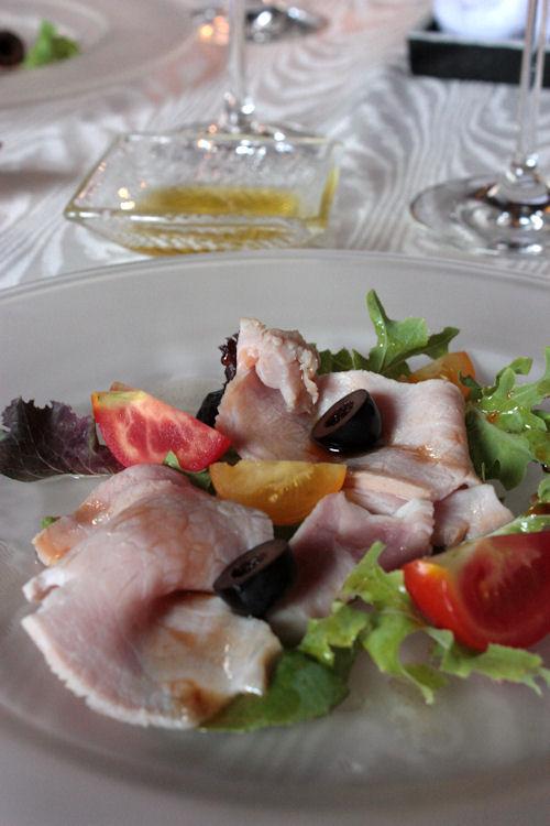 信州産霜降豚の自家製ハムのサラダ