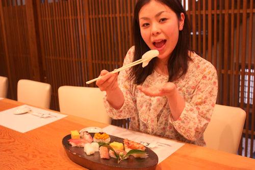 カウンターで握り寿司