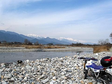 近くの高瀬川_R