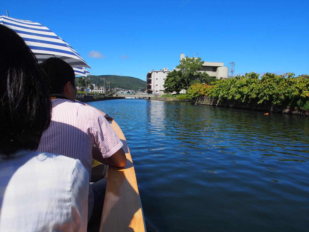 小樽運河をクルージング中