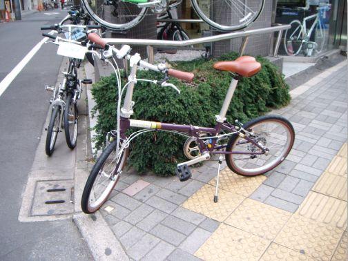 自転車 赤坂店前