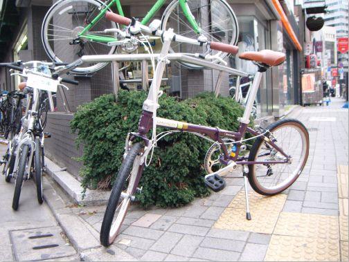 自転車赤坂店前2