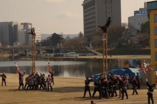 平成23年岡崎市消防出初式 はしごのり