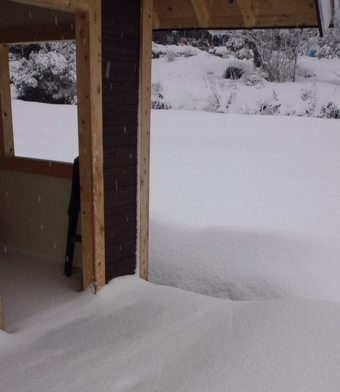 0110小屋雪