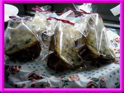 ダチョウ卵のフルーツパウンドケーキ