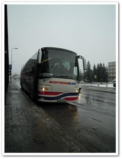 タリン行きのバス