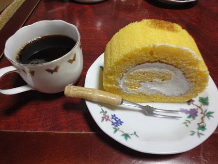 生誕祭のロールケーキ