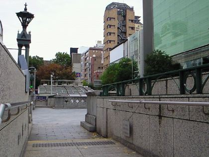shinsaibashi111201-04.jpg