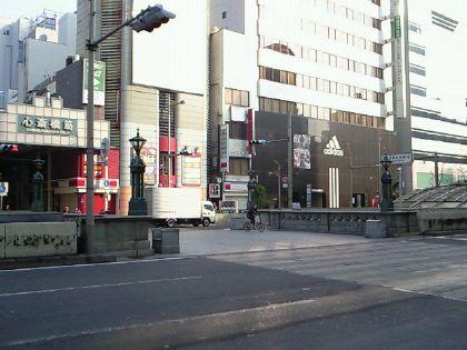 shinsaibashi111201-16.jpg