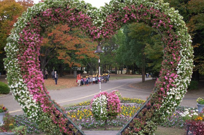 長居植物園 ハートの花飾り