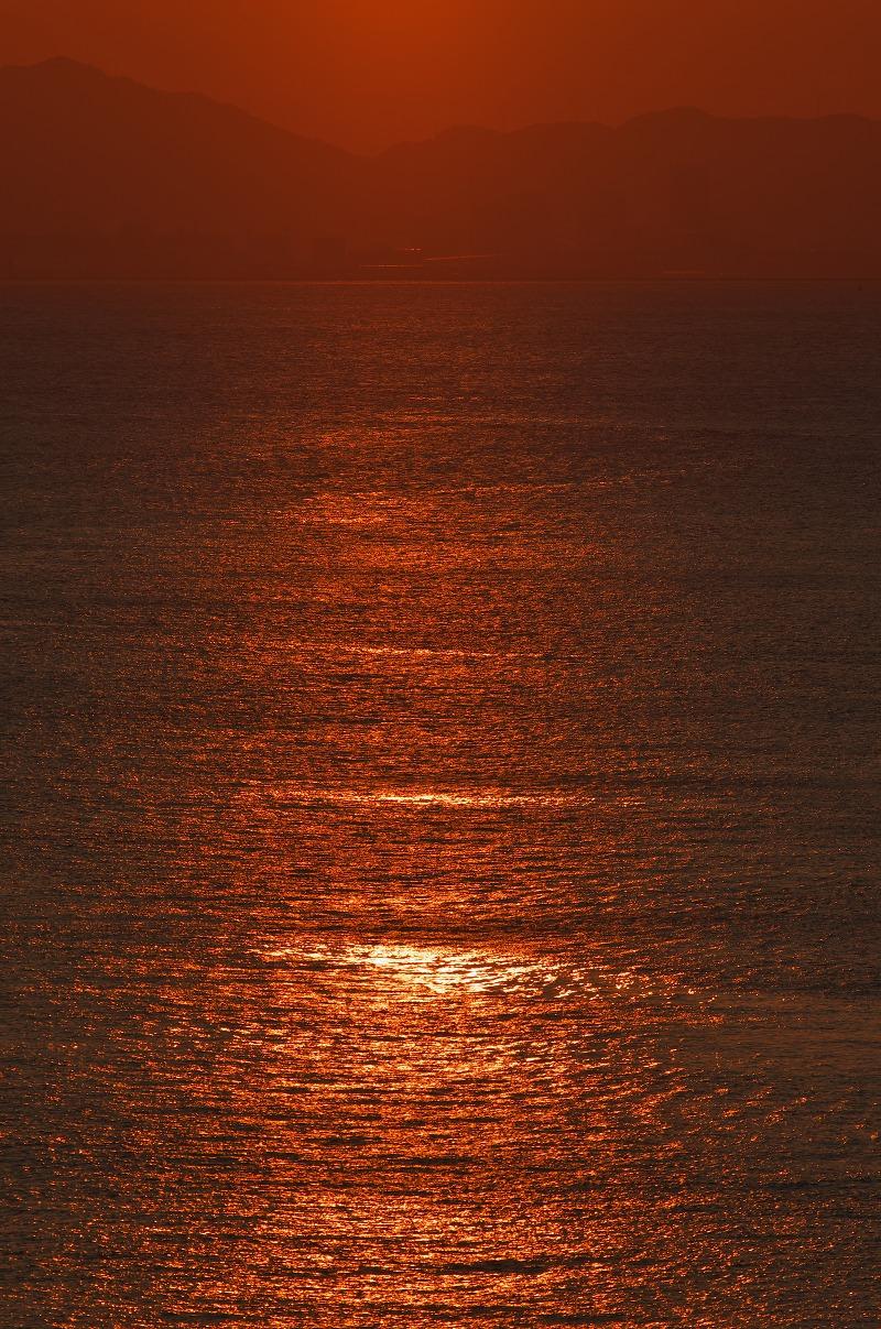 夢舞大橋から見る夕陽と中秋の名月